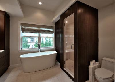 contemporary-bathroom-10